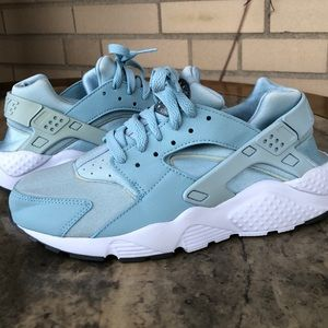 TEAL Nike Huarache 6Y Worn one time like new!